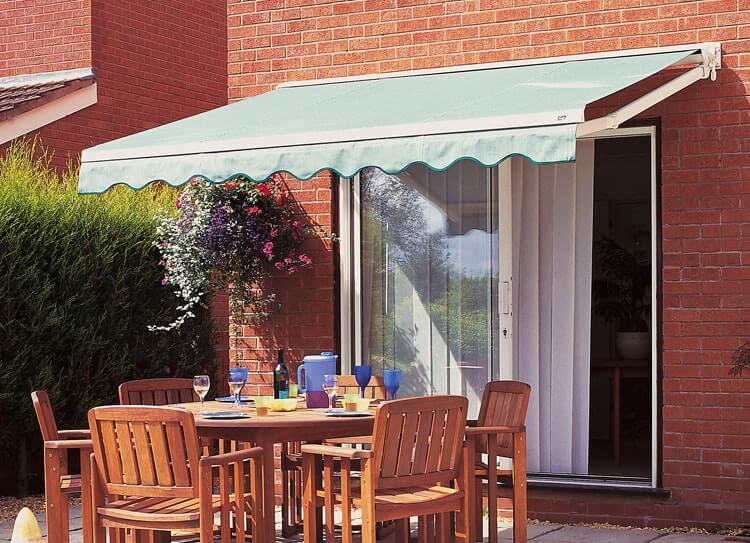 Awnings Amp Canopies Hull Kingston Blinds