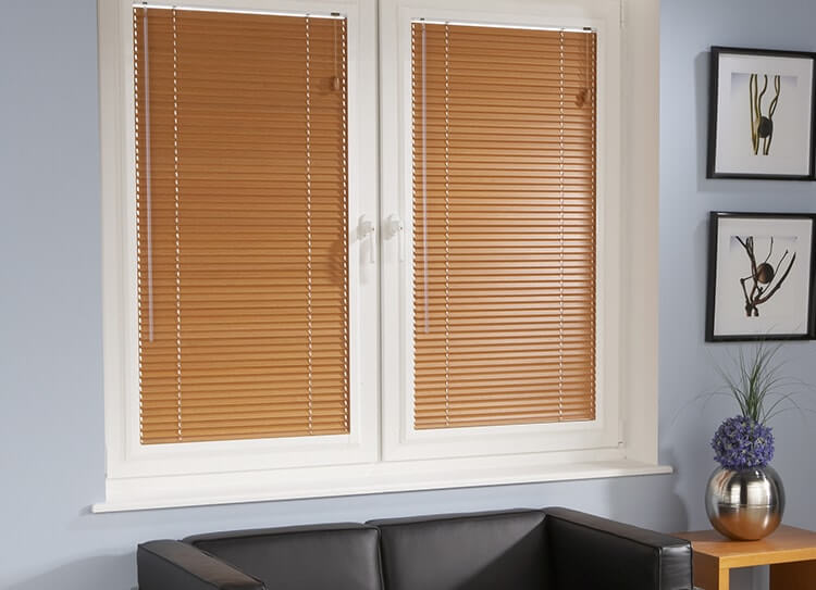 Wonderful Wooden Blinds In 7 Bunglows And Decorating